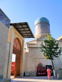 11 cleaning community Xoja Ahror Complex + Nadir Divan-Begi Madrasah in Samarkand